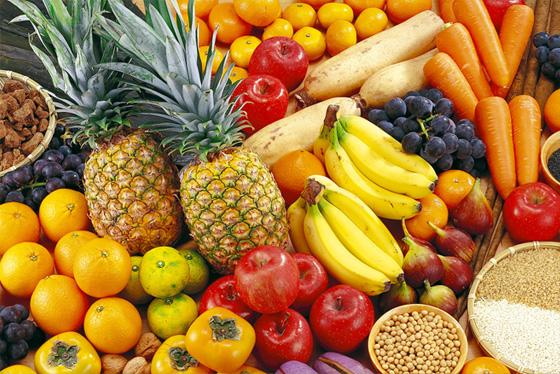 厳選した50種類以上の果物・野菜・海藻など